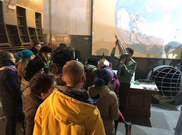Ученики школы № 1282 побывали в подземном музее «Бункер-42 на Таганке»