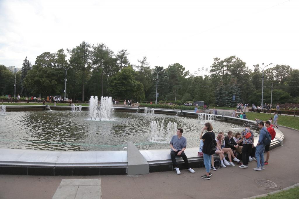 После зимней «спячки» в парке «Сокольники» заработали фонтаны